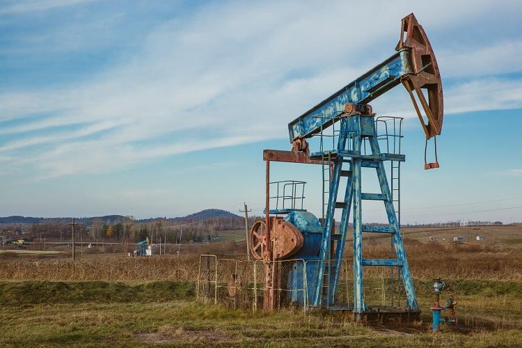 Crippled oil production of Libya improves slightly
