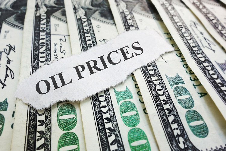 Oil prices edge up on Monday