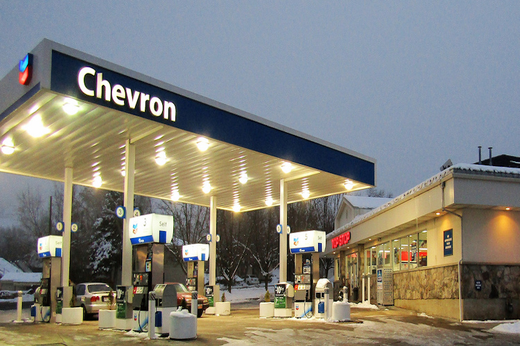 Chevron shuts its oil production facilities