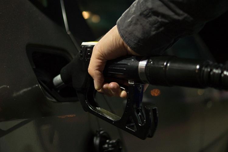 Oil prices soar