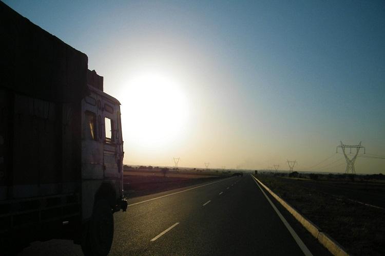 LNG-powered truck will undergo test runs